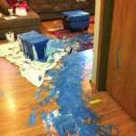 30 priežaščių kodėl negalimą palikti vaikų vienus namie