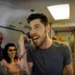 Pamatykite video: lėktuve iš Vilniaus 10 km aukštyje keleiviai ėmė šokti svingą