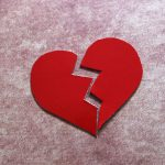 Kaip elgtis staiga nutrūkus santykiams?
