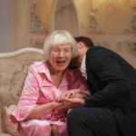 12 priežasčių kodėl jaunesni vyrai susidomi vyresnėmis moterimis