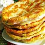 Sūrio paplotėliai su kefyru keptuvėje, receptas