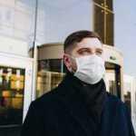 Paaiškino, kodėl medicininės kaukės neapsaugo nuo koronaviruso